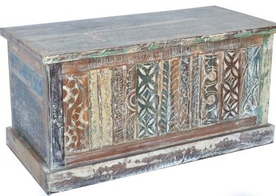 CD050 Carved Trunk