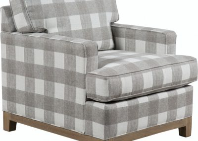 C752  plynth-base Chair by Capris