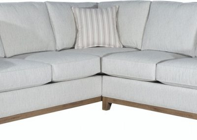 747 Plynth-base Sectional by Capris